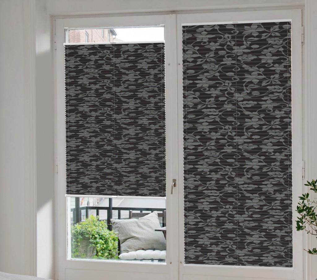 von vorhang bis plissee richtiger sonnenschutz im heimkino. Black Bedroom Furniture Sets. Home Design Ideas