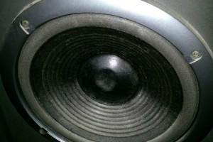 Lautsprecher mit kaputter Membran