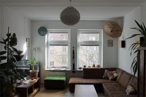Eine private Stromleitung quer durch das Wohnzimmer