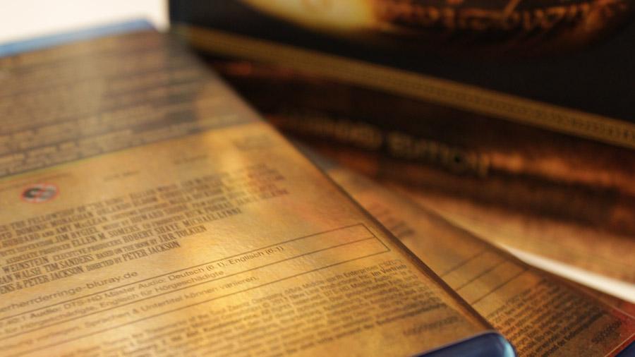 Rückseite der Blu-ray-Hüllen der Herr-der-Ringe-Trilogie mit der Kennzeichnung als DTS-ES 6.1 Ton.