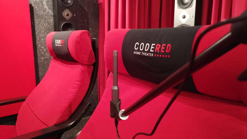 Messmikrofon am Sitzplatz aufgebaut